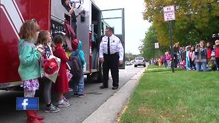 Elementary students enjoy 'Breakfast with the Chief' in Ashwaubenon - Video