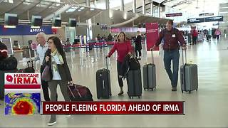 People fleeing Florida ahead of Irma - Video