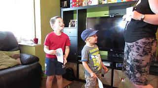 Kids Find Out They're Having Another Sibling, Their Reaction Is Adorable - Video