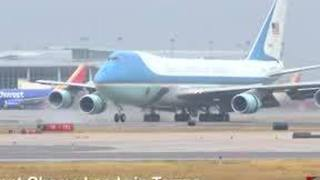 Air Force One Lands in Tampa - Video