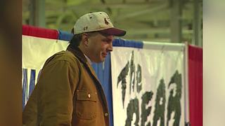 The last time Garth Brooks visited Indianapolis - Video