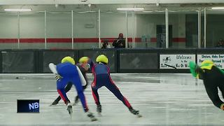Speed skaters compete for championship - Video
