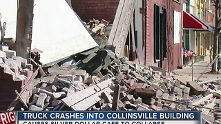 Historic Collinsville building collapses - Video