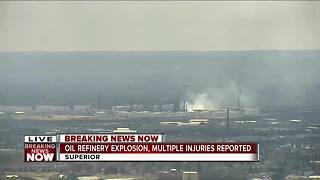 Oil refinery explosion in Superior, Wisconsin - Video