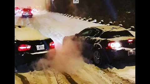 Drivers Spin Out After Snow Squall Hits Toronto Causing Travel Disruptions