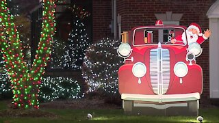 Avon Lake holiday lights tour continues through the pandemic with socially-distant twist