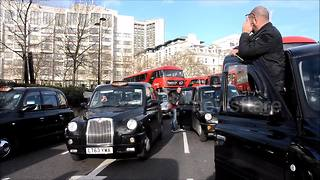 Third Black cab protest blocks central London - Video