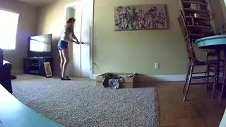 VIDEO: Police look for two burglary suspects - Video