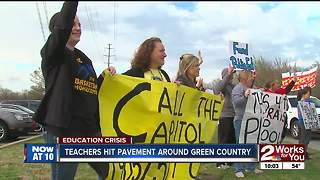 Green Country teachers occupy 'busiest intersections' in communities ahead of Senate vote - Video