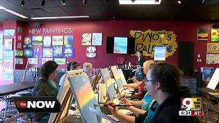 Art studio emphasizes human interaction, 'unplugging' - Video