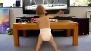 Baby Dancing To Beyonce's Single Ladies - Video