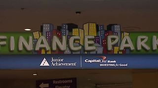 Local students get lesson in money management - Video