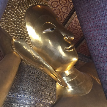 Gorgeous Reclining Buddha in Bangkok