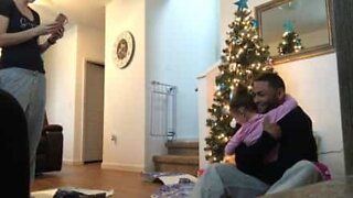 Homecoming soldier hides in box to surprise daughter