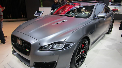 Jaguar XJR 575 at autosalon Brussel 2018