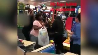 Wild fight breaks out at Indianapolis Chuck E. Cheese's - Video
