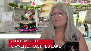 Tastries Bakery in Bakersfield under fire after reportedly refusing to serve homosexual couples - Video