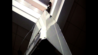 Man Lifts Fridge With Cell Phone Motor - Video