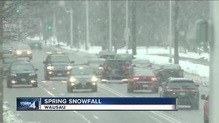 Wisconsin spring storm packing 10 inches of snow - Video