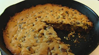 Betty's chocolate chip iron skillet cookie - Video