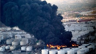 Texas Petrochemical Fire Spreads To More Storgae Tanks - Video