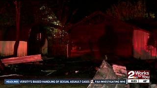 Tulsa Firefighters battle overnight garage fire - Video