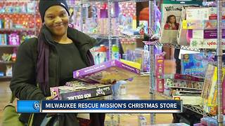 Milwaukee Rescue Mission provides opportunity for parents with Christmas store - Video