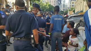 SOUTH AFRICA - Cape Town - Refugees removed from outside Central Methodist Mission (Video) (3BX)