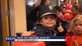 Trick or Treaters stop by at NewsChannel 5 - Video