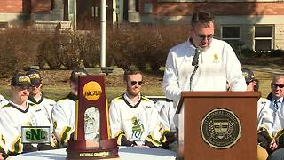 St. Norbert celebrates men's hockey National Championship - Video