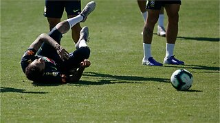 Neymar injured in Brazil training