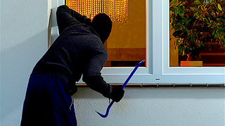 4 Things Police Say Can Protect Your Home from Theft - Video