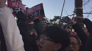 Crowd Celebrates in Seoul as Presidential Impeachment Vote Passes - Video