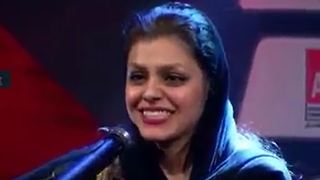 Irani -Afghan girl performs Dariush song - Video