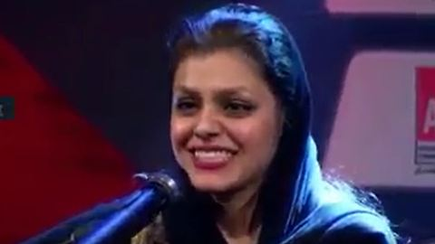 Irani -Afghan girl performs Dariush song