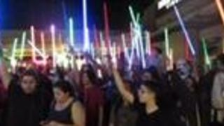 Lightsaber Tribute for Carrie Fisher in San Antonio, Texas - Video