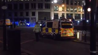Scene at London Bridge shortly after attacks - Video