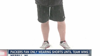Wisconsin man only wearing shorts until his team wins - Video