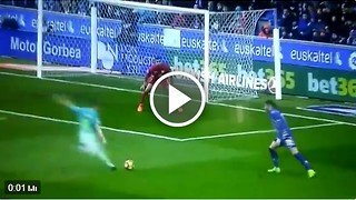 Ivan Rakitic incredible goal vs Alaves - Video