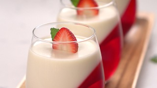 Strawberry Panna Cotta - Video