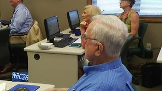 Veterans, seniors get technology training in Appleton - Video
