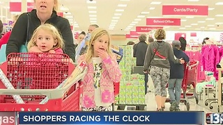 Last-minute shoppers could score deals - Video