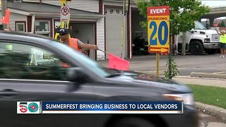 Local vendors outside Summerfest work to capitalize on crowds - Video