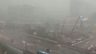 Torrential Downpours Paralyze Moscow - Video