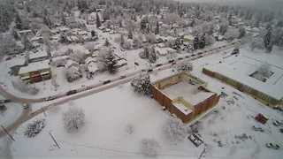 Oregon School Roof Collapses Under Weight of Snow - Video