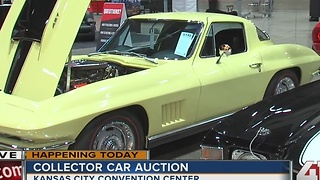 Car auction at Kansas City Convention Center - Video