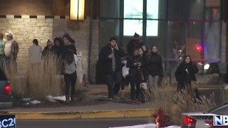 Fox River Mall Suspect In Custody - Video