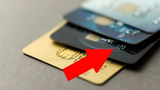 7 simple life hacks with plastic cards - Video
