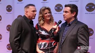 Garth Brooks and Trisha Yearwood talk about the new single | Rare Country - Video