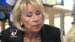 Secretary of Education visits Michigan schools - Video
